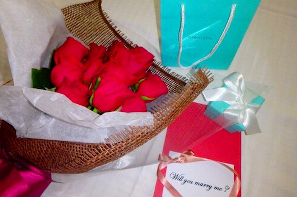 ハワイプロポーズ用に花束をお届け