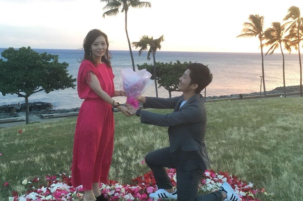 初のハワイ旅行で彼女にサプライズプロポーズ