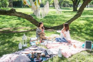 ハワイの緑と空気を感じながらピクニック