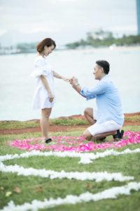 しっかり跪いて彼女にプロポーズ