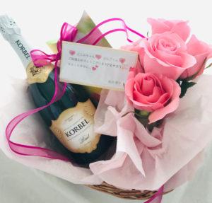 シャンパンとお花で海外挙式をお祝い